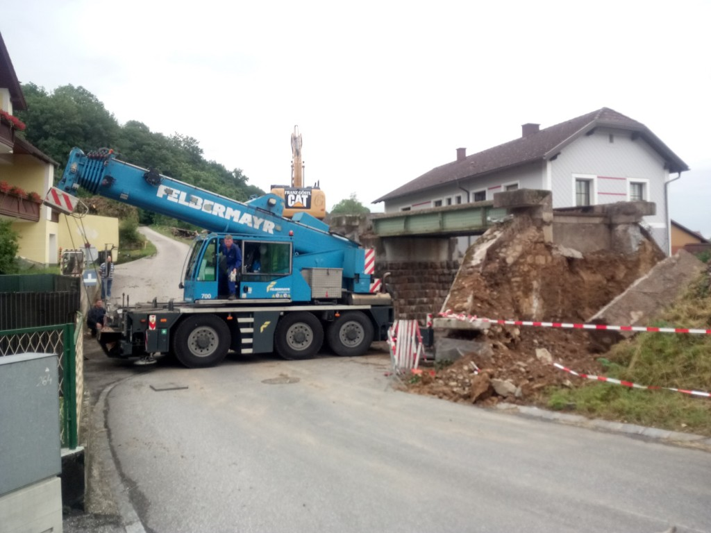 Demontage Eisenbahnbrücke klein 01