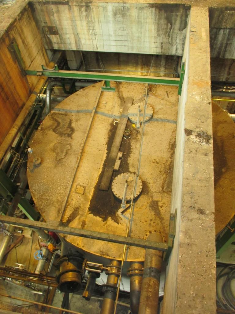 Demontage 130m³ Niro Lagertank 01